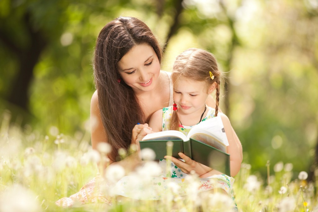 sf-mother-and-daughter-reading-in-a-field-1024x682.jpg