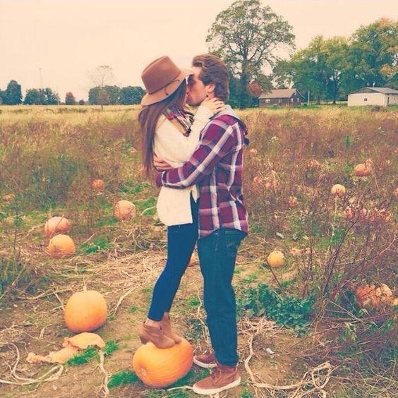 南瓜上的亲吻.jpg