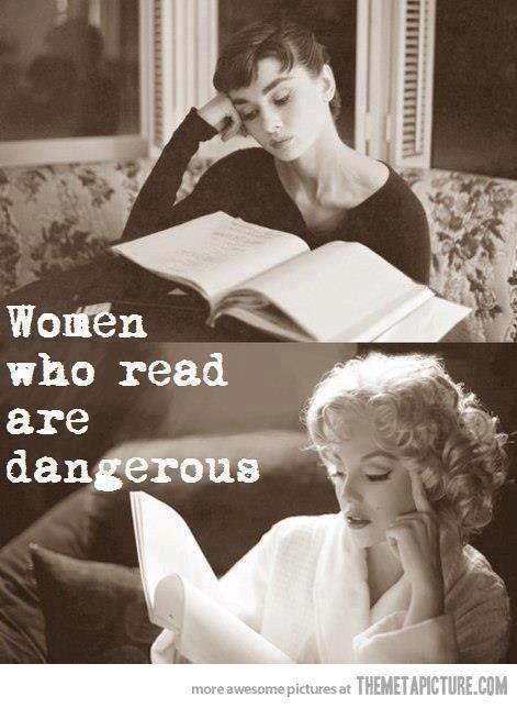 阅读的女人.jpg