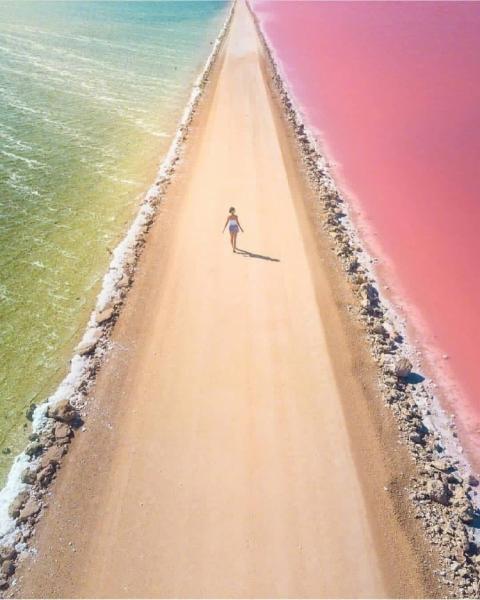 海水与沙漠.jpg